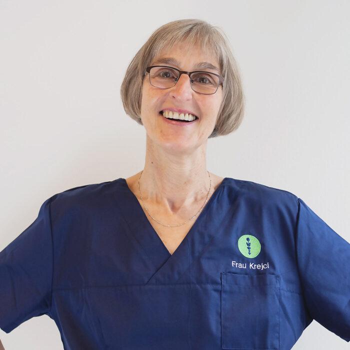 Das Foto zeigt Frau Krejci, MFA des Endomedicum in Düsseldorf